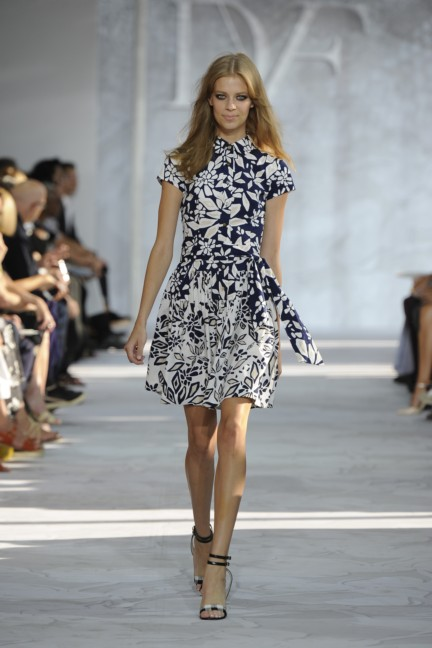 diane-von-furstenberg-new-york-fashion-week-spring-summer-2014-runway-20