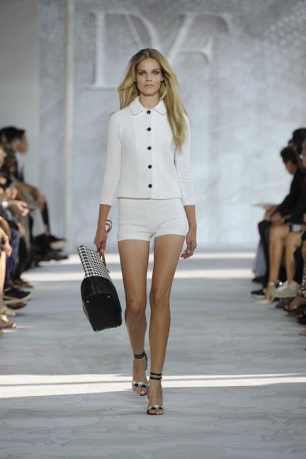 diane-von-furstenberg-new-york-fashion-week-spring-summer-2014-runway-23