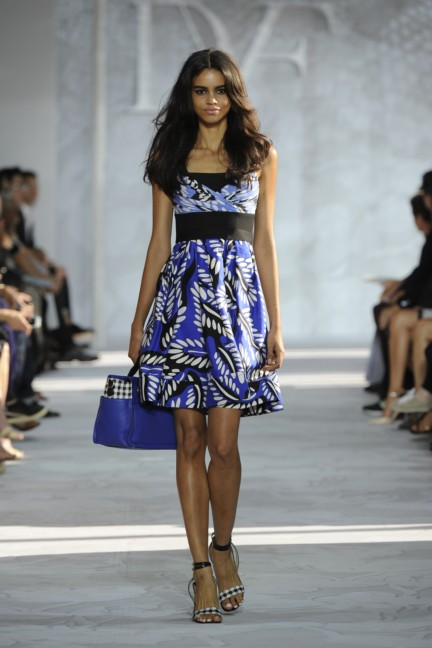 diane-von-furstenberg-new-york-fashion-week-spring-summer-2014-runway-24