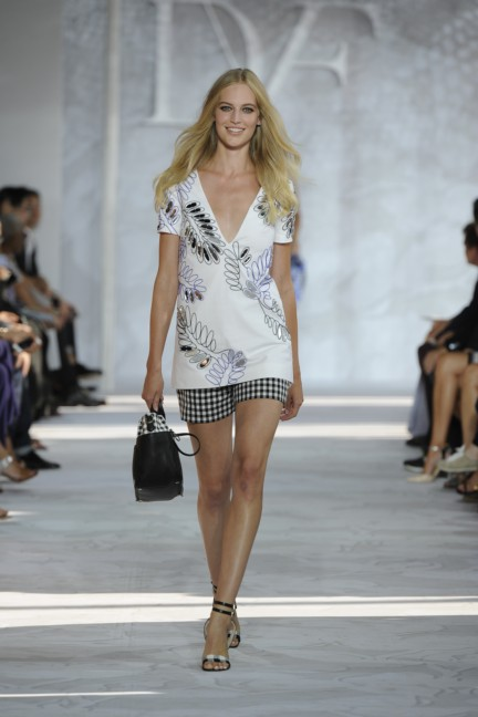 diane-von-furstenberg-new-york-fashion-week-spring-summer-2014-runway-25