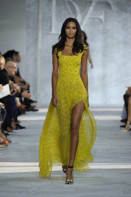 diane-von-furstenberg-new-york-fashion-week-spring-summer-2014-runway-30