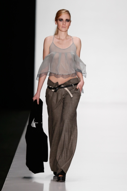 ss-2014_mercedes-benz-fashion-week-russia_ru_best-collections-of-bhsad_44012
