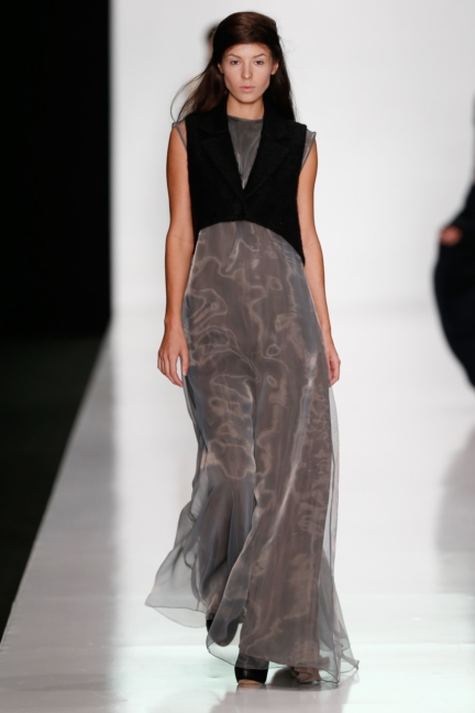 ss-2014_mercedes-benz-fashion-week-russia_ru_best-collections-of-bhsad_44020