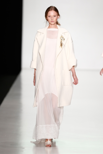 ss-2014_mercedes-benz-fashion-week-russia_ru_laroom_44488