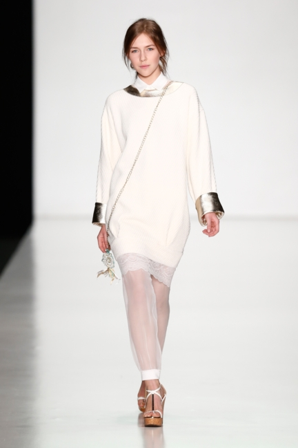 ss-2014_mercedes-benz-fashion-week-russia_ru_laroom_44491