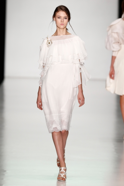 ss-2014_mercedes-benz-fashion-week-russia_ru_laroom_44498