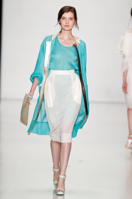 ss-2014_mercedes-benz-fashion-week-russia_ru_laroom_44499