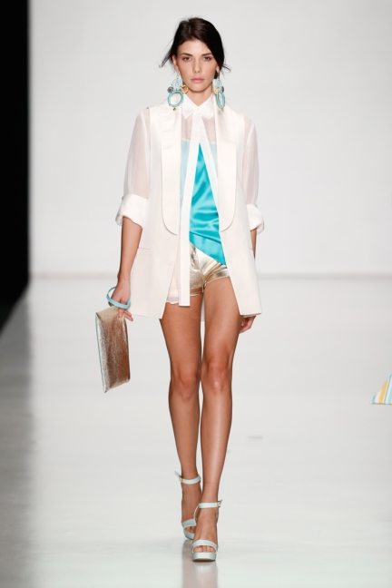 ss-2014_mercedes-benz-fashion-week-russia_ru_laroom_44501