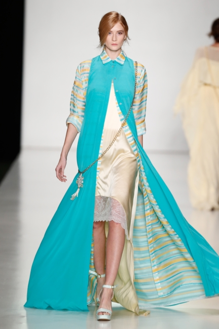 ss-2014_mercedes-benz-fashion-week-russia_ru_laroom_44509