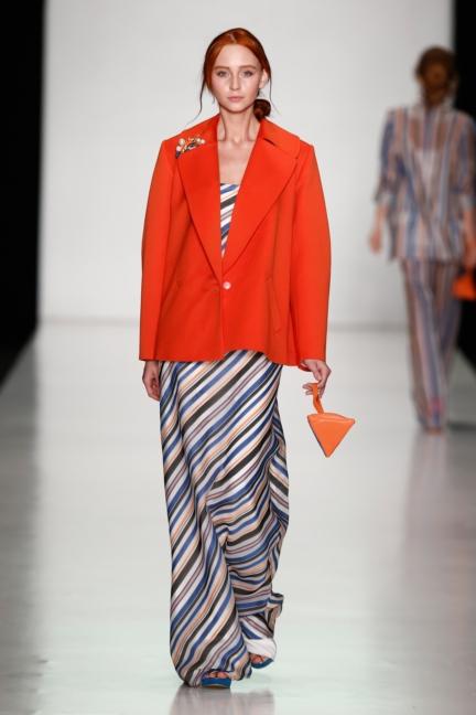 ss-2014_mercedes-benz-fashion-week-russia_ru_laroom_44514