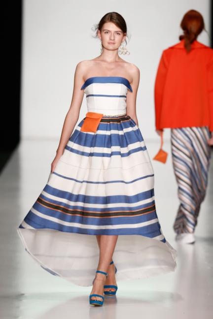 ss-2014_mercedes-benz-fashion-week-russia_ru_laroom_44515