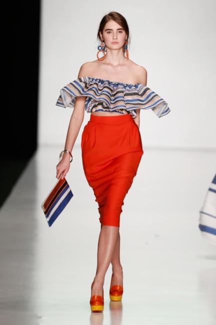 ss-2014_mercedes-benz-fashion-week-russia_ru_laroom_44516