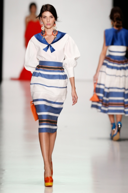 ss-2014_mercedes-benz-fashion-week-russia_ru_laroom_44517
