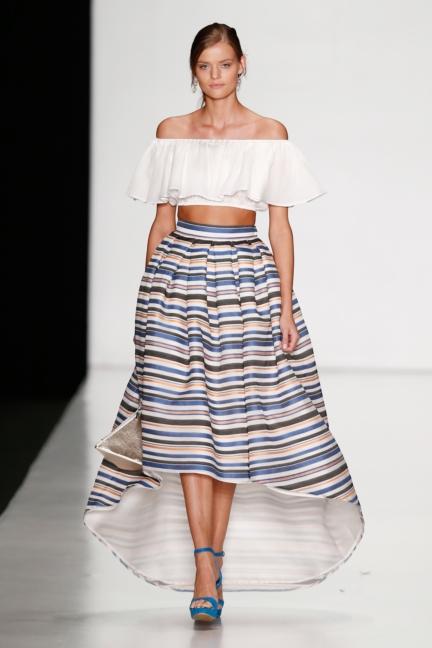 ss-2014_mercedes-benz-fashion-week-russia_ru_laroom_44519