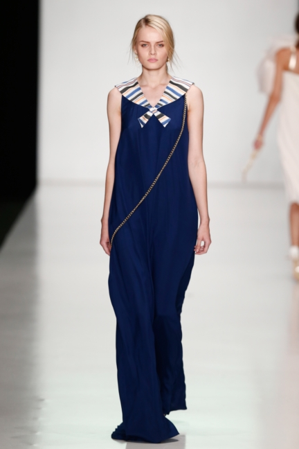 ss-2014_mercedes-benz-fashion-week-russia_ru_laroom_44520