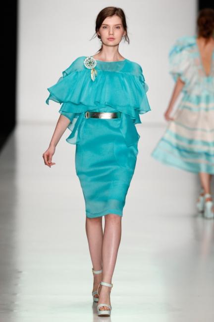 ss-2014_mercedes-benz-fashion-week-russia_ru_laroom_44521
