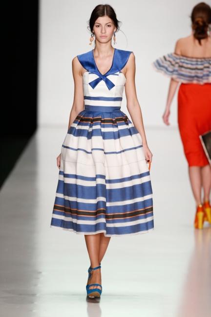 ss-2014_mercedes-benz-fashion-week-russia_ru_laroom_44522