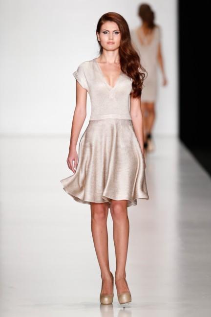 ss-2014-mercedes-benz-fashion-week-russia-belarus-fashion-week-10