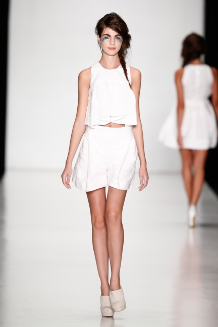 ss-2014-mercedes-benz-fashion-week-russia-belarus-fashion-week-17