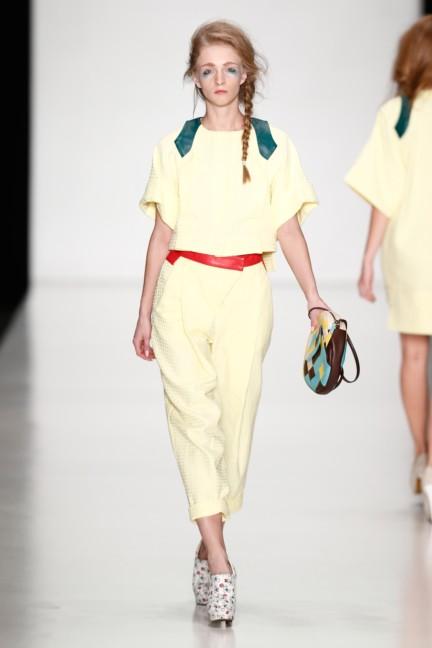 ss-2014-mercedes-benz-fashion-week-russia-belarus-fashion-week-26