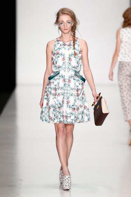 ss-2014-mercedes-benz-fashion-week-russia-belarus-fashion-week-31