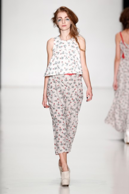 ss-2014-mercedes-benz-fashion-week-russia-belarus-fashion-week-32