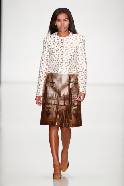 ss-2014-mercedes-benz-fashion-week-russia-belarus-fashion-week-37