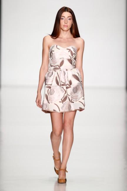 ss-2014-mercedes-benz-fashion-week-russia-belarus-fashion-week-40