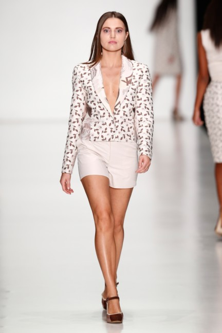 ss-2014-mercedes-benz-fashion-week-russia-belarus-fashion-week-45