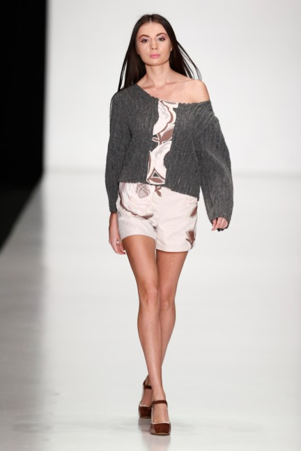 ss-2014-mercedes-benz-fashion-week-russia-belarus-fashion-week-50