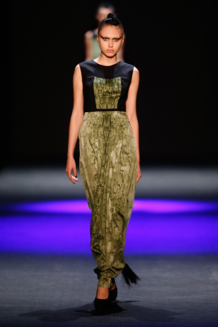ss-2014_mercedes-benz-fashion-week-russia_ru_the-muscovites-by-masha-kravtsova_44620