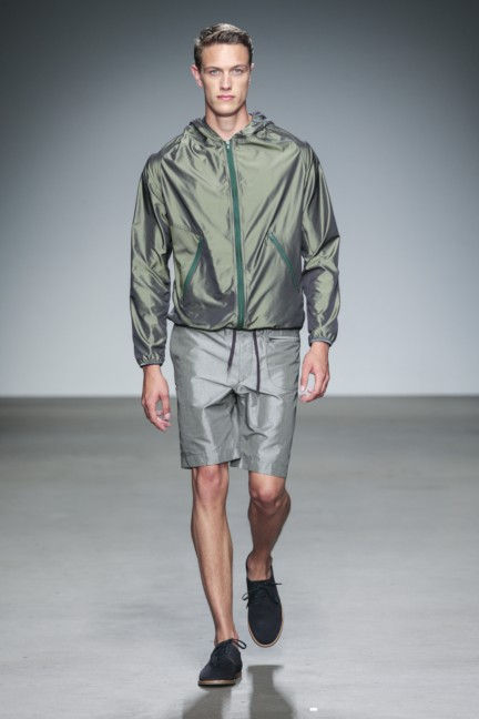 mevan-kaluaruchchi-mercedes-benz-fashion-week-amsterdam-spring-summer-2015-runway-15