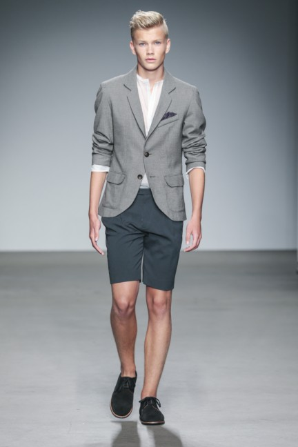 mevan-kaluaruchchi-mercedes-benz-fashion-week-amsterdam-spring-summer-2015-runway-6