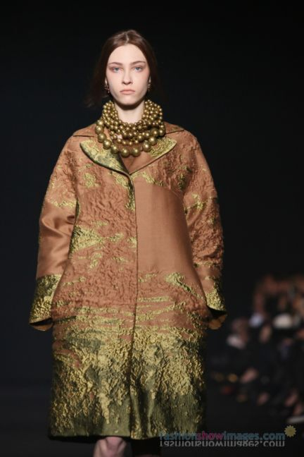 alberta-ferretti-milan-fashion-week-autumn-winter-2014-00005
