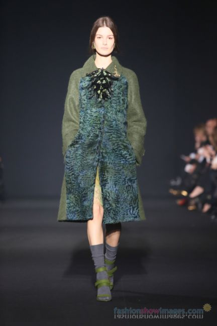 alberta-ferretti-milan-fashion-week-autumn-winter-2014-00046