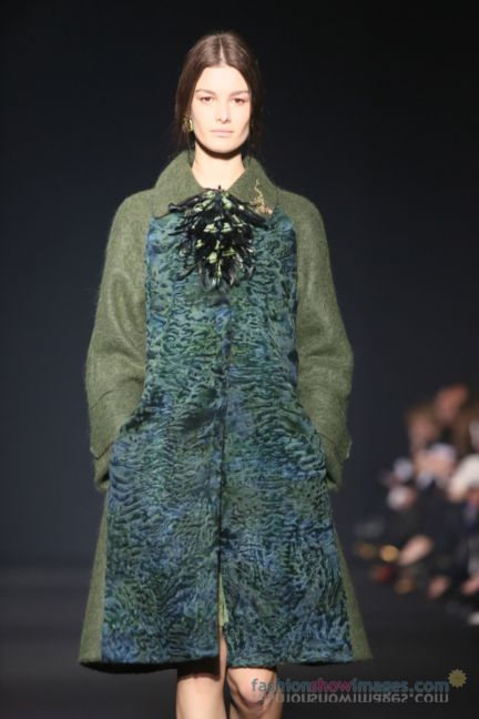 alberta-ferretti-milan-fashion-week-autumn-winter-2014-00047