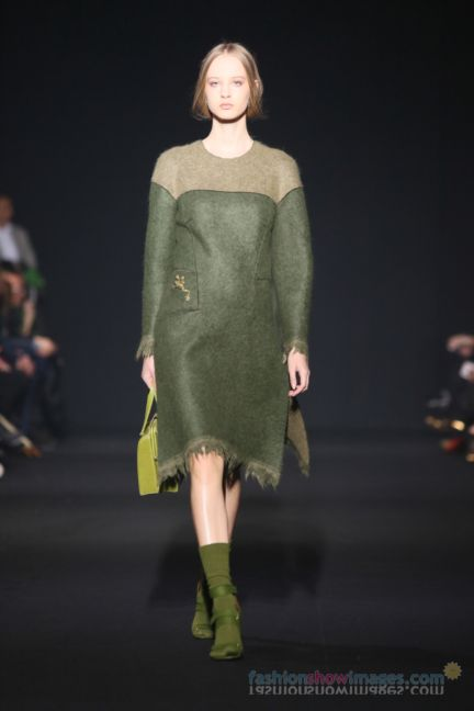 alberta-ferretti-milan-fashion-week-autumn-winter-2014-00049
