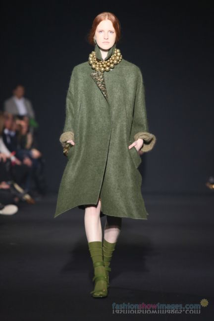 alberta-ferretti-milan-fashion-week-autumn-winter-2014-00054