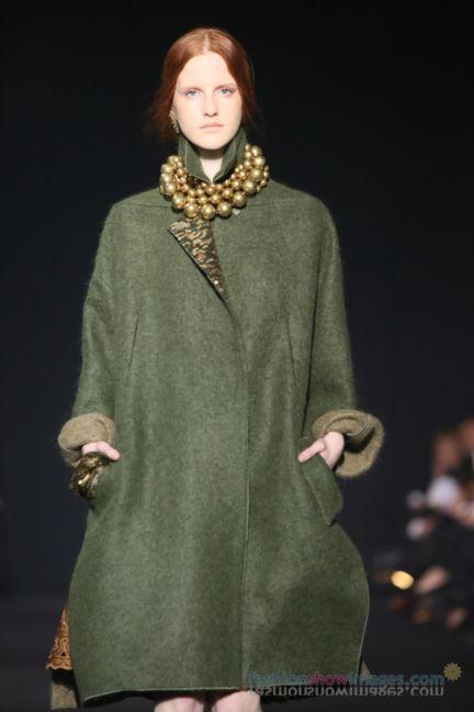 alberta-ferretti-milan-fashion-week-autumn-winter-2014-00056
