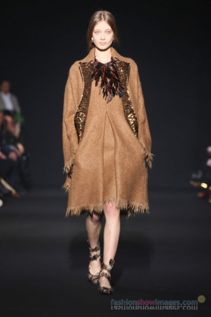 alberta-ferretti-milan-fashion-week-autumn-winter-2014-00066