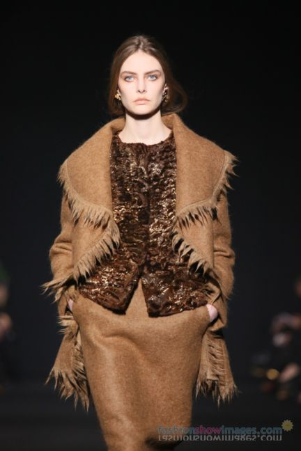 alberta-ferretti-milan-fashion-week-autumn-winter-2014-00070