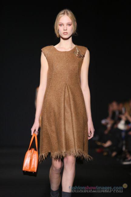 alberta-ferretti-milan-fashion-week-autumn-winter-2014-00084