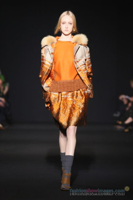 alberta-ferretti-milan-fashion-week-autumn-winter-2014-00090