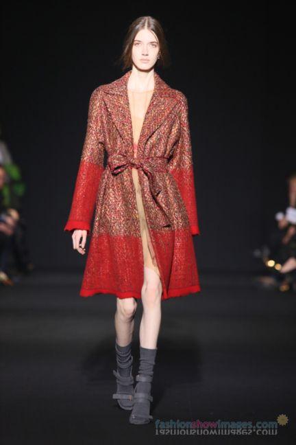 alberta-ferretti-milan-fashion-week-autumn-winter-2014-00107