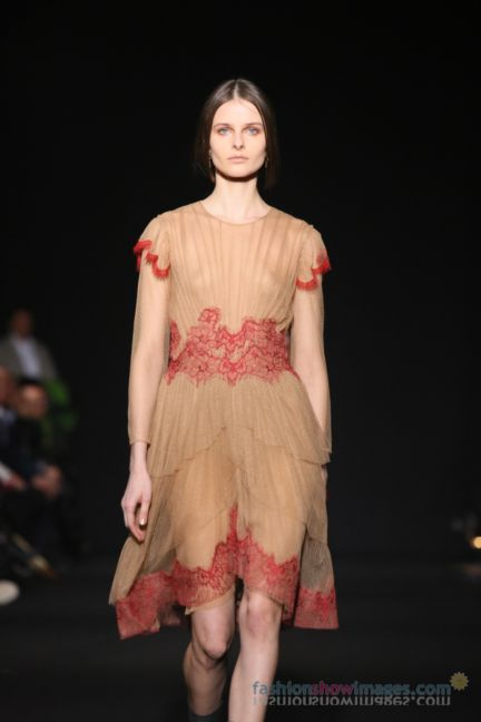 alberta-ferretti-milan-fashion-week-autumn-winter-2014-00111