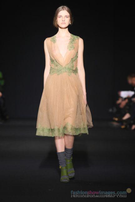 alberta-ferretti-milan-fashion-week-autumn-winter-2014-00125