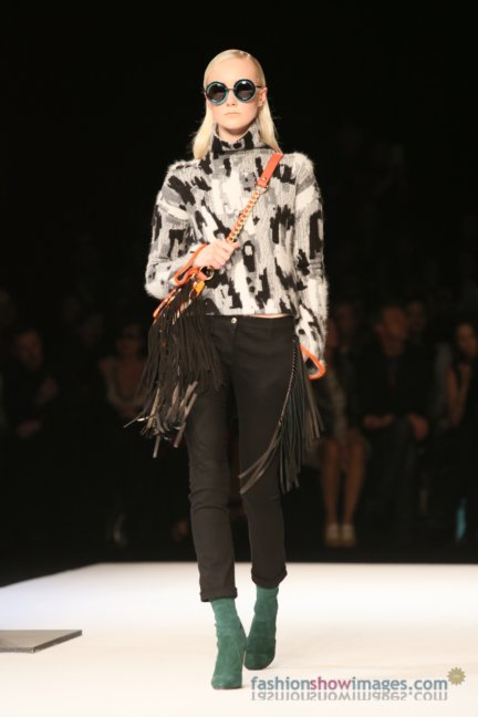 just-cavalli-milan-fashion-week-autumn-winter-2014-00014