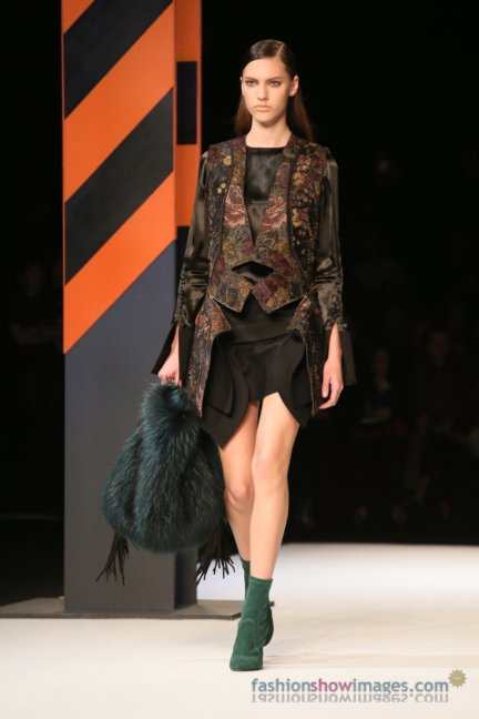 just-cavalli-milan-fashion-week-autumn-winter-2014-00047