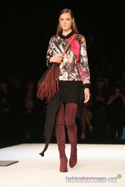 just-cavalli-milan-fashion-week-autumn-winter-2014-00090