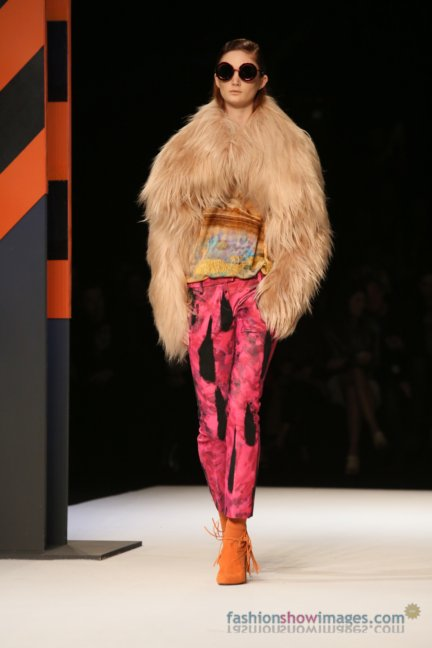 just-cavalli-milan-fashion-week-autumn-winter-2014-00121